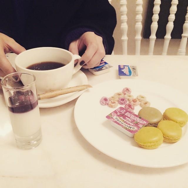 부산애플신년회#스튜디오제이티#마카롱#커피#아름생일#디저트#대호도생일#배불러#apple#macaron#coffee#busan