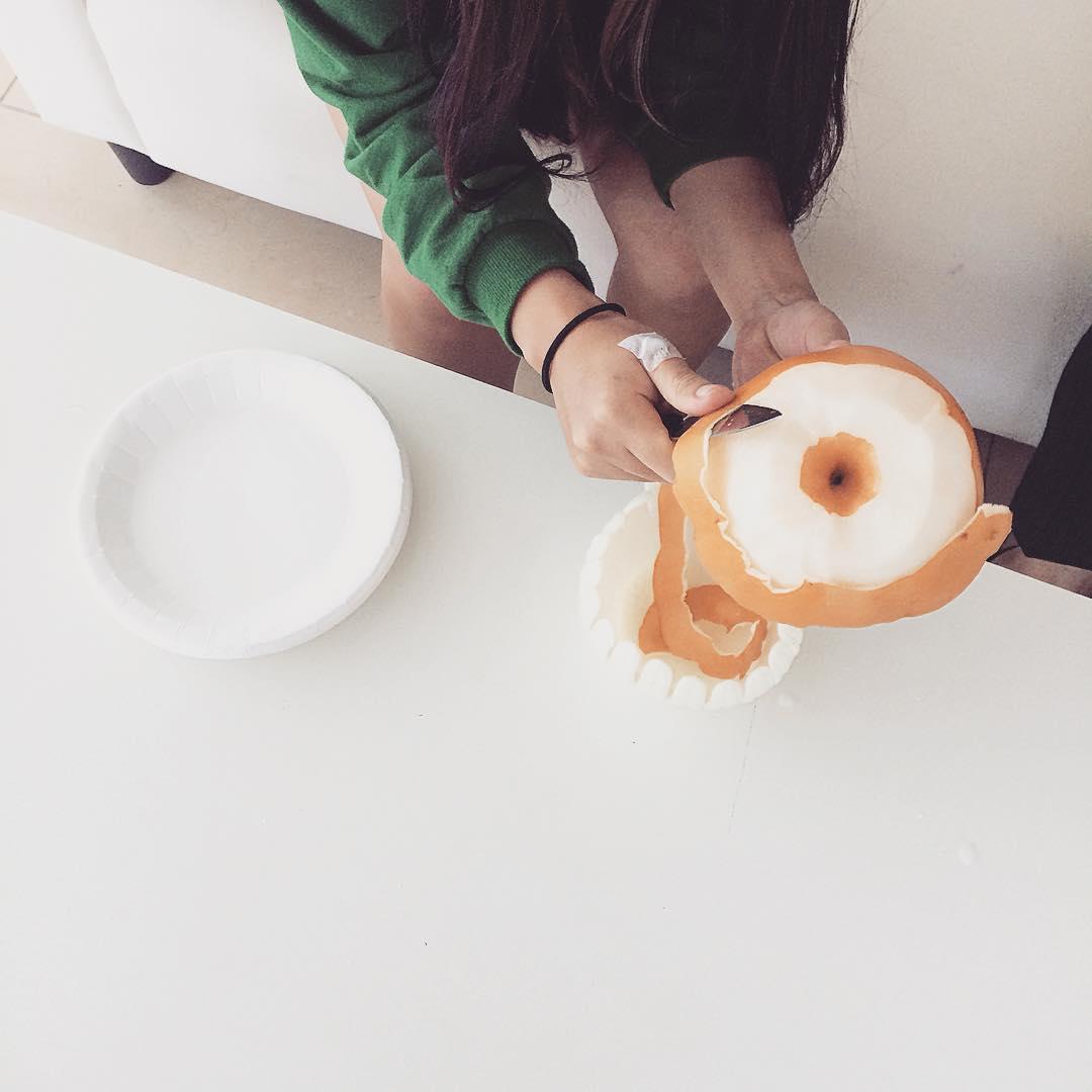 #바오밥 에서 보내주신 #나주배 대따 크다 #과일깎는여자  #천상여자#맹순언니😘 #냠냠 #감사 #잘먹겠습니다 😍