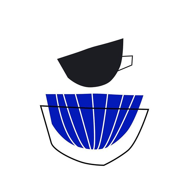 쌓인 컵들