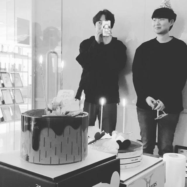 박감독님과 정덩영님의 #생일 – – – – – #오늘은내가정감독#생일